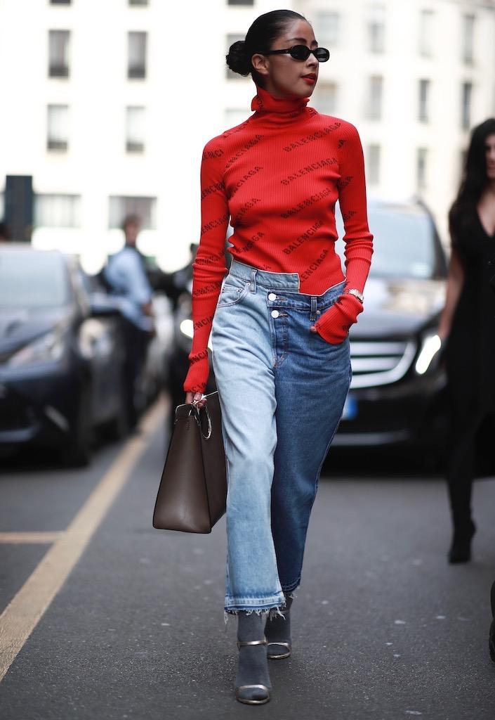 Blue jeans not basic via the street style.